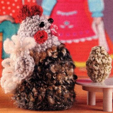 Вязаные курочка и яичко