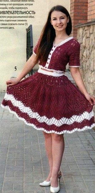 Платье с юбкой-клеш крючком