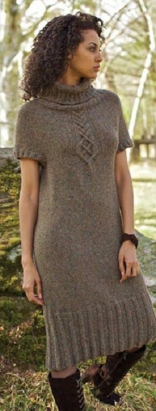 Теплое платье спицами